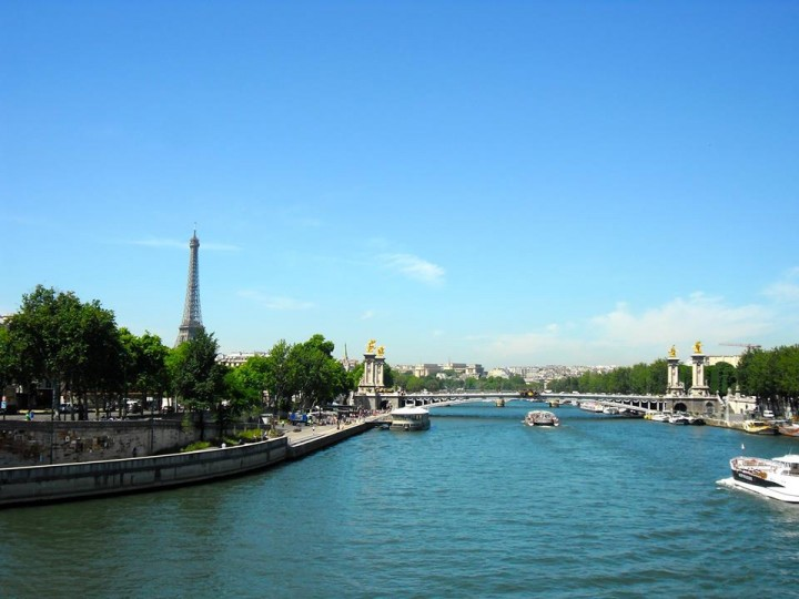 Seine-Eiffel-Tower-Paris