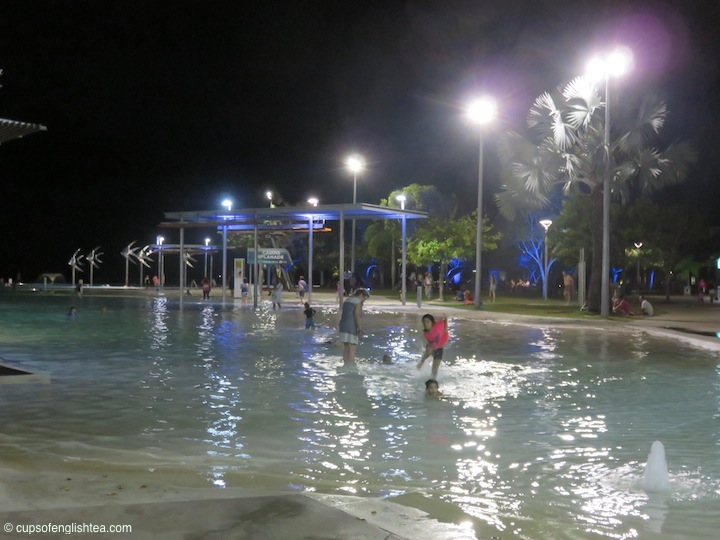 cairns-lagoon-night