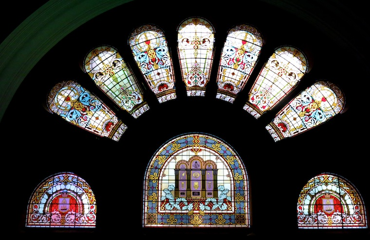stained-glass-queen-victoria-building