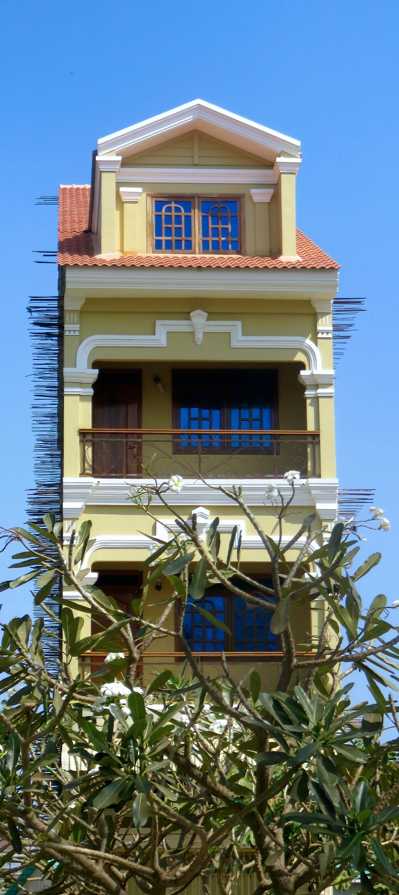 vertical-house-battambang