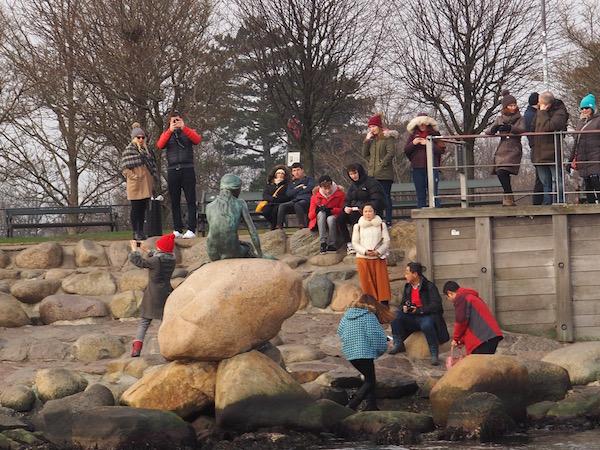 Petite Sirene Copenhague touristes